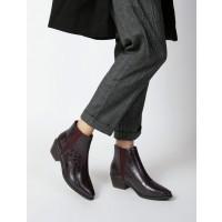 Seventy Nine - מגפון בצבע בורדו עם חרטום שפיצי ורצועות אלסטיות בצידי הנעלארגונית נעליים